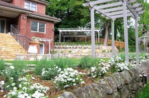 Ladscaping-stone-walls-lawn-garden