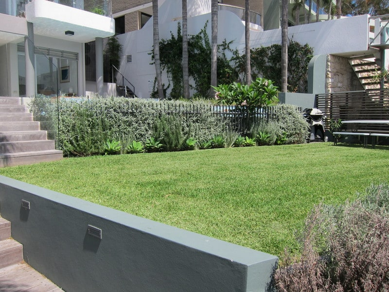 swimming-pool-landscaping-gallary2