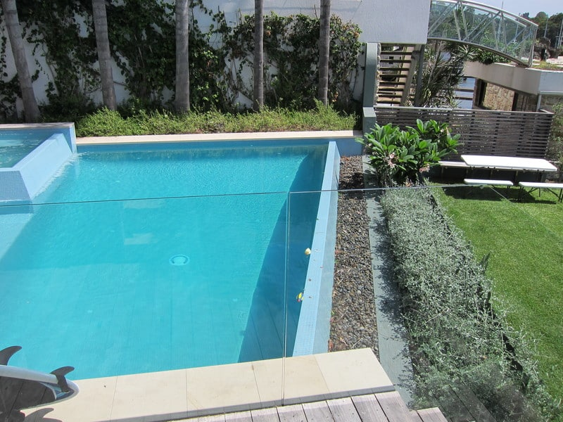 swimming-pool-landscaping-gallary3