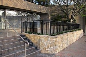 commercial-landscaping-stone-wall-outdoor-tiles